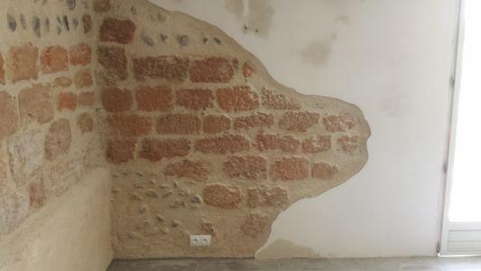Stucwerk in eeuwenoud pand