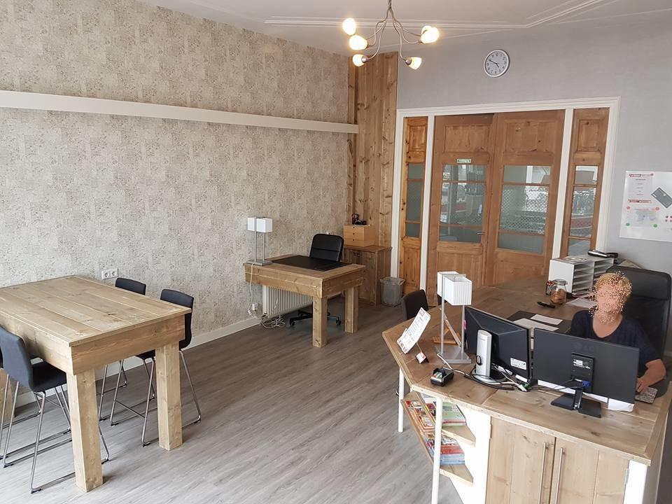 Renovatie en meubels kantoorpand